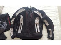 RST Pro Series Ventilator III Motorcycle Jacket XL but really a Large!