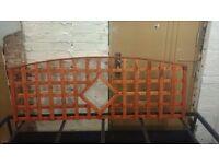 6ft x 2ft +bow decorative trellis / fence panels