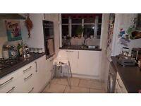 Amazing 3 -Bedroom House in Beckton area E6 next to ASDA