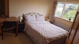Large fully furnished double-room for single £520/m, Headington, including all bills. 07455531231