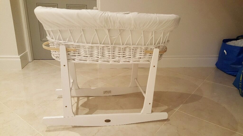 White moses basket crib with stand. Excellent condition.