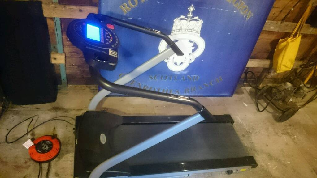 Carl Lewis treadmill (Delivery Available)