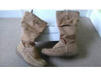 Faux suede calf length ladies boots. Size 6