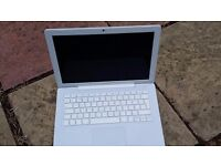 Mac Book 13' inch in very good condition, fully working, charger &
