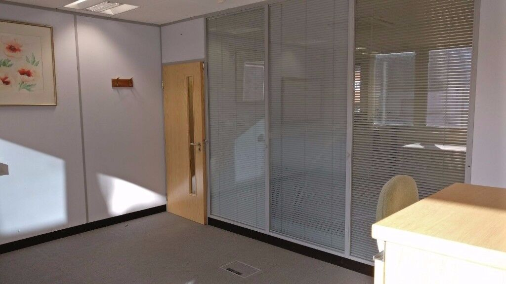Nice office space available near St Annes shopping centre in Harrow