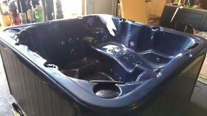 Pre-Owned Dynasty Spa w/ Lounger Stereo LED Lighting- ***Amazing Deal***