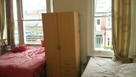 Hammersmith Large Room Share Avail Now
