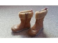 Girls boots infant 8G - clarks