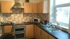 2 Bedroom House to rent in Radcliffe
