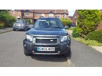 Landrover freelander TD4 HSE with facelift. Green. 2.0L. Diesel. 125,000 miles. MOT till June 2017