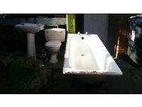 Bathroom Suite white complete £45
