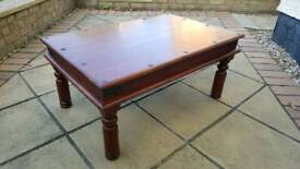 HARDWOOD LIVING ROOM TABLE VINTAGE LOOK NO DEFECTS