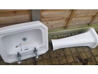 Savoy toilet and basin with pedestal