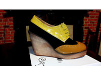 adies Laced Up Wedges Platform Shoes / Boots Size 5 / 38 Like NEW