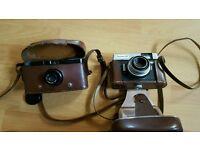 2 vintage photo cameras. Both in good condition.