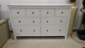 gorgeous large white 8 drawer chest of drawers, in excellent condition. can deliver
