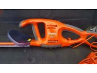 ELECTRIC HEDGE TRIMMER- LONG BLADE