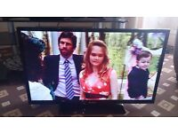 """PANASONIC VIERA 32"""" LED TV /FREEVIEW HD/100HZ/MEDIA PLAYER IN MINT CONDITION NO OFFERS"""