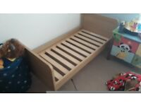 Mamas and papas cot/bed oak finish