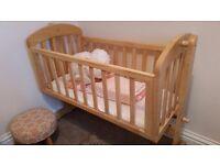 Mamas and Papas swinging cot / crib with matress