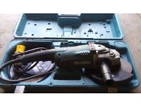 makita angle grinder 110 v complete with carry case and discs