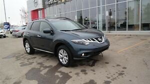 2014 Nissan Murano SL with Heated leather seats, Panoramic sun r