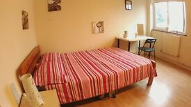 s. EAST FINCHLEY , Lovely cheap rooms available in NORTH LONDON , 15 min from Camden