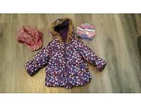 girl coat 9-12m and 2 hats