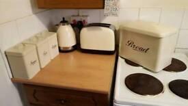 Kettle, Toaster, Tea and coffee set, bread bin