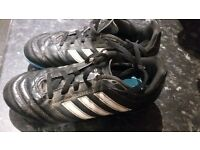 boys football boots size 13. Used but in a good condition.