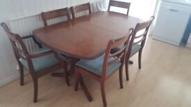 Walnut Extendable Dining Table with 6 Chairs