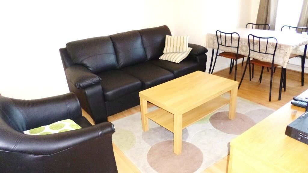 MAZING GREAT VALUE 2 BEDROOM FLAT NEAR ZONE 2/3 NIGHT TUBE, 24 HOUR BUSES & SHOPS