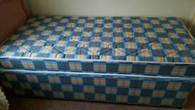 Nearly new single bed