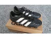 Adidas mens rugby boots size 11 excellent condition