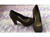 Khaki suede Head over heels by Dune heels size 4