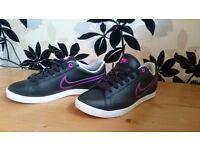 Nike women`s trainers Size Uk 5,5, eur 39