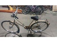 Dutch Bike: Gazelle Ladies Dutch Bike with 3speed Gears
