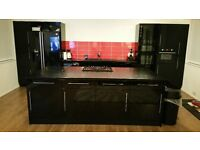 Fitted Kitchen in Black Gloss