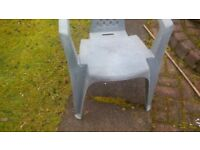 3 Garden chairs and table