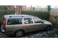 Volvo V70 Estate in Gold with tow bar.