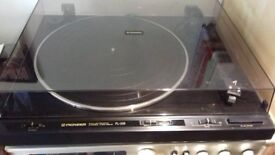 .Pioneer PL 335 Turntable, In Good Condition.