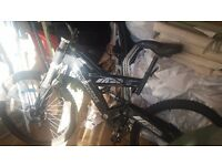 Mountain bike good condition disk brakss and dual suspension