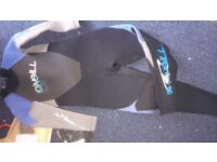 Kids wetsuit for age 5/6