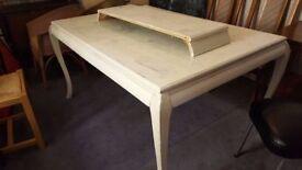 Extendable Vintage Table