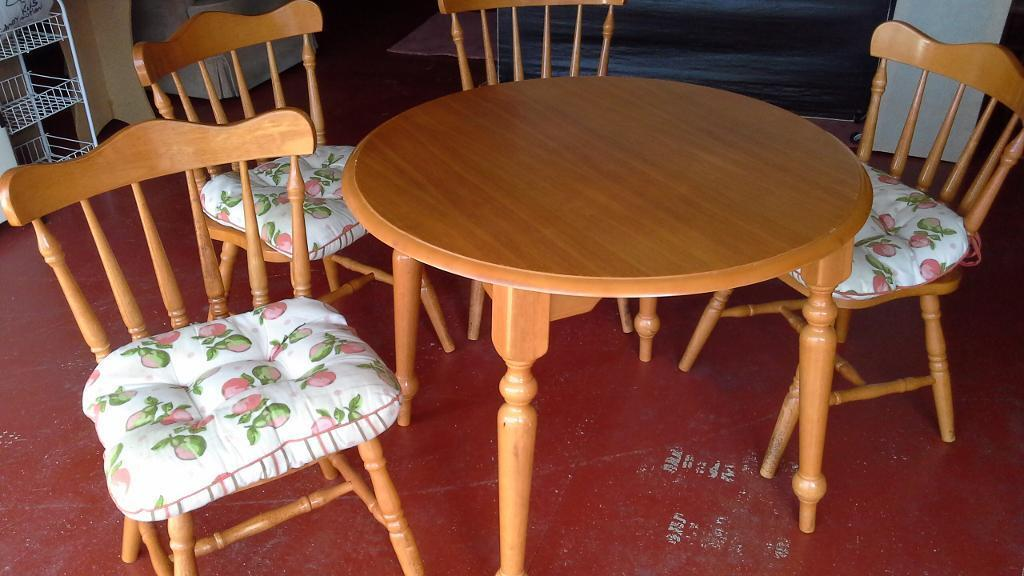 Solid Pine Kitchen Table And 4 Chairs In Blairgowrie Perth And