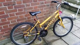 Yellow prelude childrens bike for spares/repair