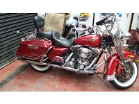 Harley davidson road king mint over 12k of extras