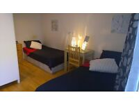 2 Fantastic Rooms available now ! Twin and Double !!!7 min to London Bridge!
