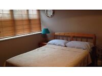 Good size Double bedroom - furnished - 1o minutes walk to the Guildford center and the University