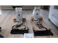 2 x Toshiba Active Shutter 33D glasses. Including bag and charging cable.